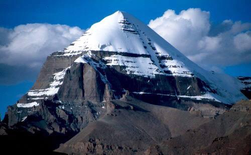 Vue imprenable sur le mont Kailas, le chakra du troisième œil de la Terre