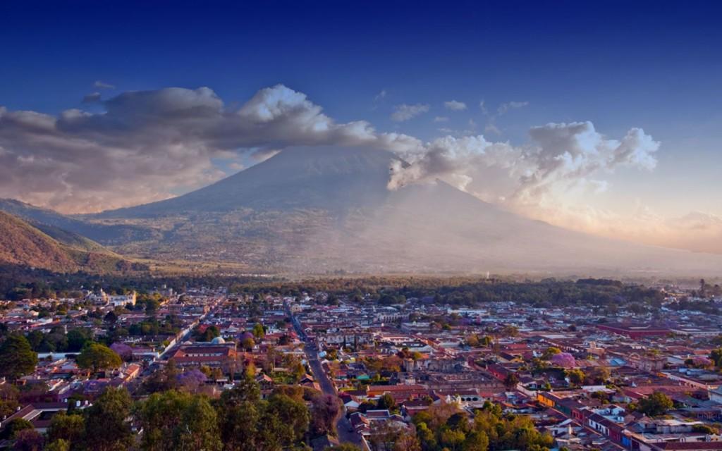 Belle vue sur Antigua Guatemala, vortex mineur de la terre
